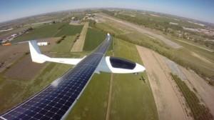 Budućnost je tu – Solarni avion započeo svoj put oko svijeta (video)